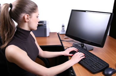 caucasian_woman_work_job_computer.jpg