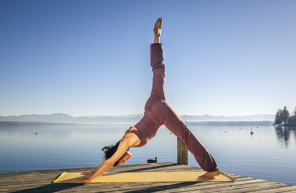 Whats the difference between yoga and pilates sparkpeople fandeluxe Images